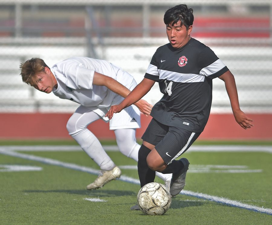Hart boys soccer exits CIF State playoffs in semis
