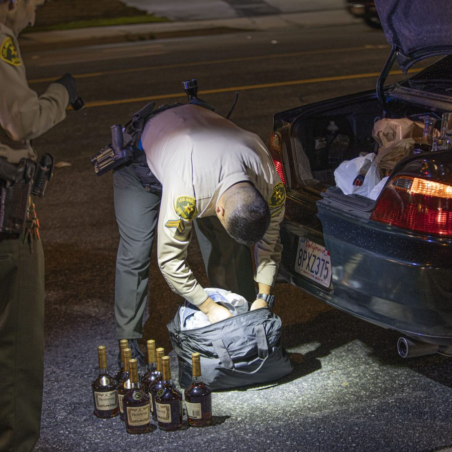 Deputies respond to reports of robbery in Newhall