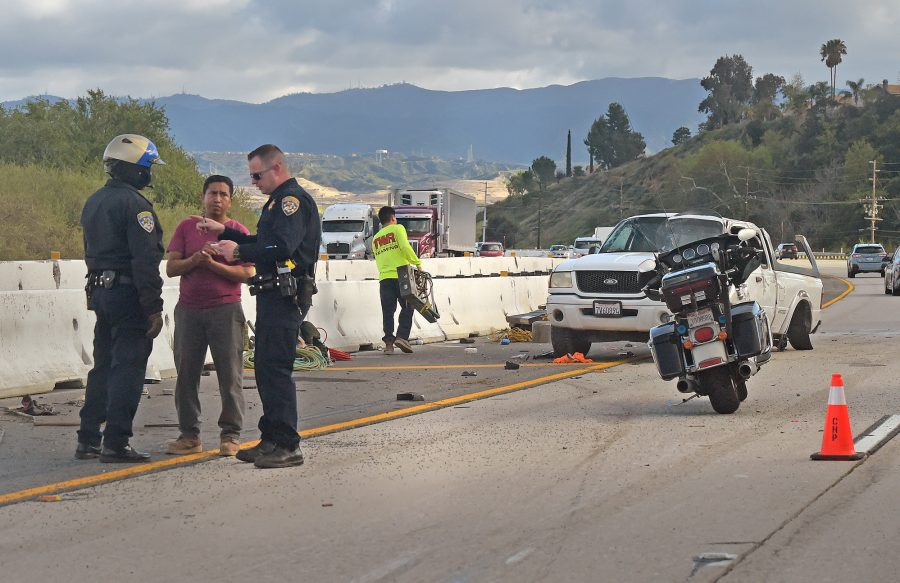 Castaic solo-vehicle crash sends 2 to hospital