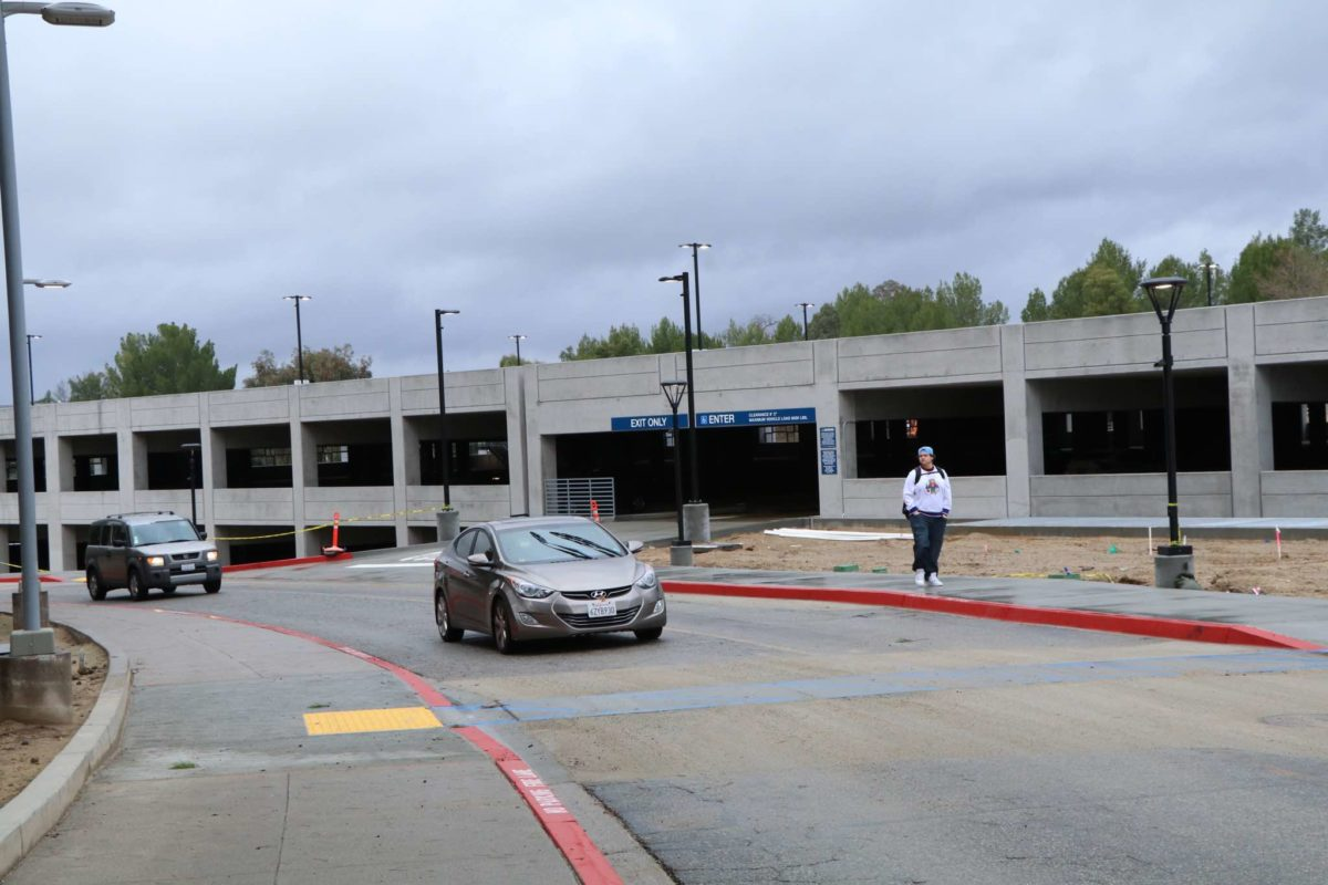 College of the Canyons drive-thru testing center expected to open Wednesday