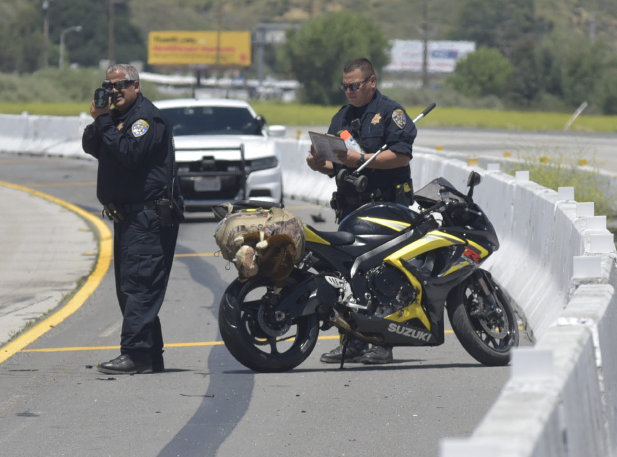 Fatal motorcycle crash reported on I-5; witnesses say rider was driving over 100 mph