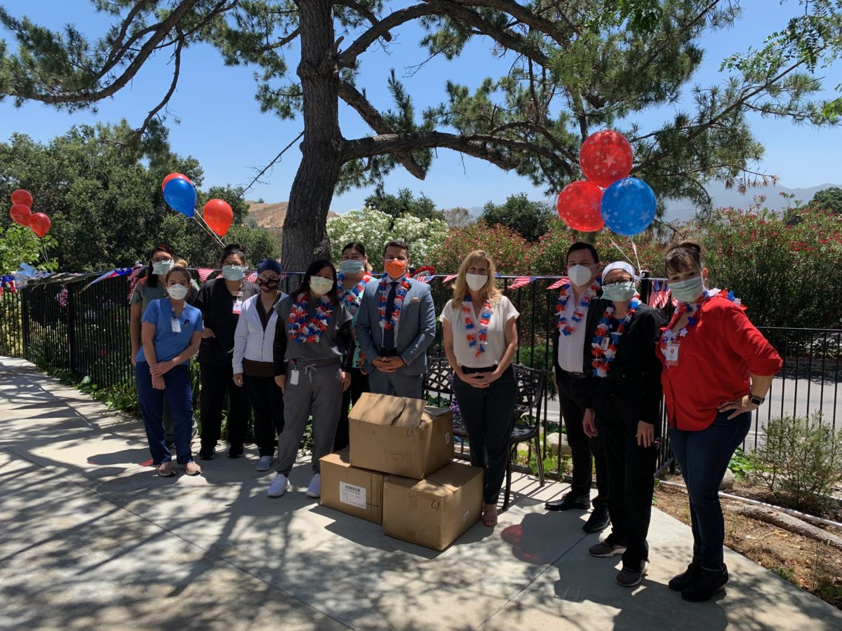PHOTO: Smith delivers PPE gowns to Santa Clarita Convalescent Hospital