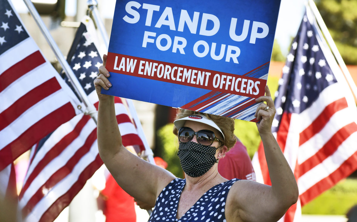 Pro-police rally held in front of SCV Sheriff's Station