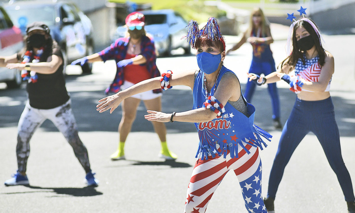Valencia resident throws drive-by July 4 parade for neighbors