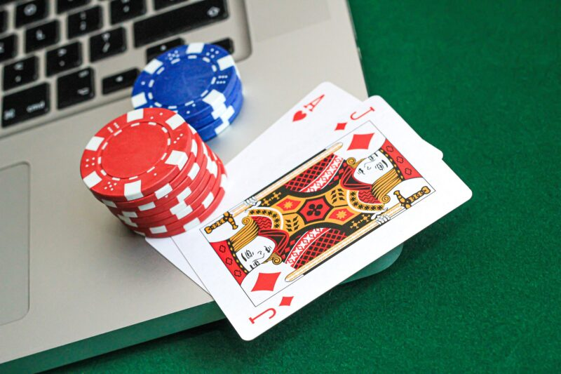 Safety Tips When Playing Online Casino Games